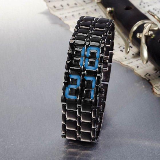 La montre noire « Dissimulée »