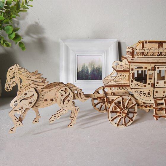 Maquette en bois diligence