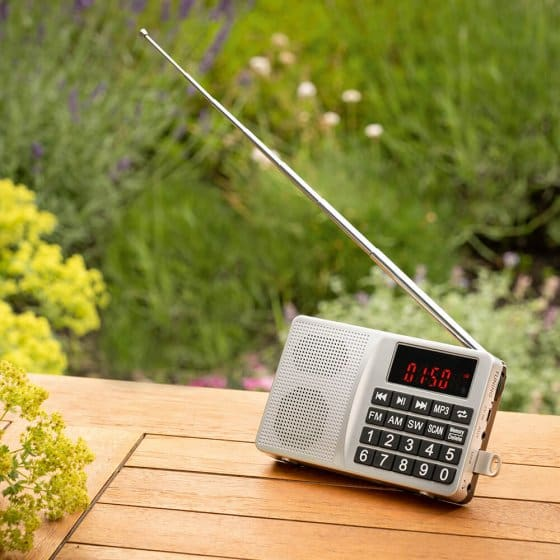 Compacte multifunctionele radio